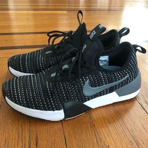 Nike black white mesh running shoes free 6Y 7.5